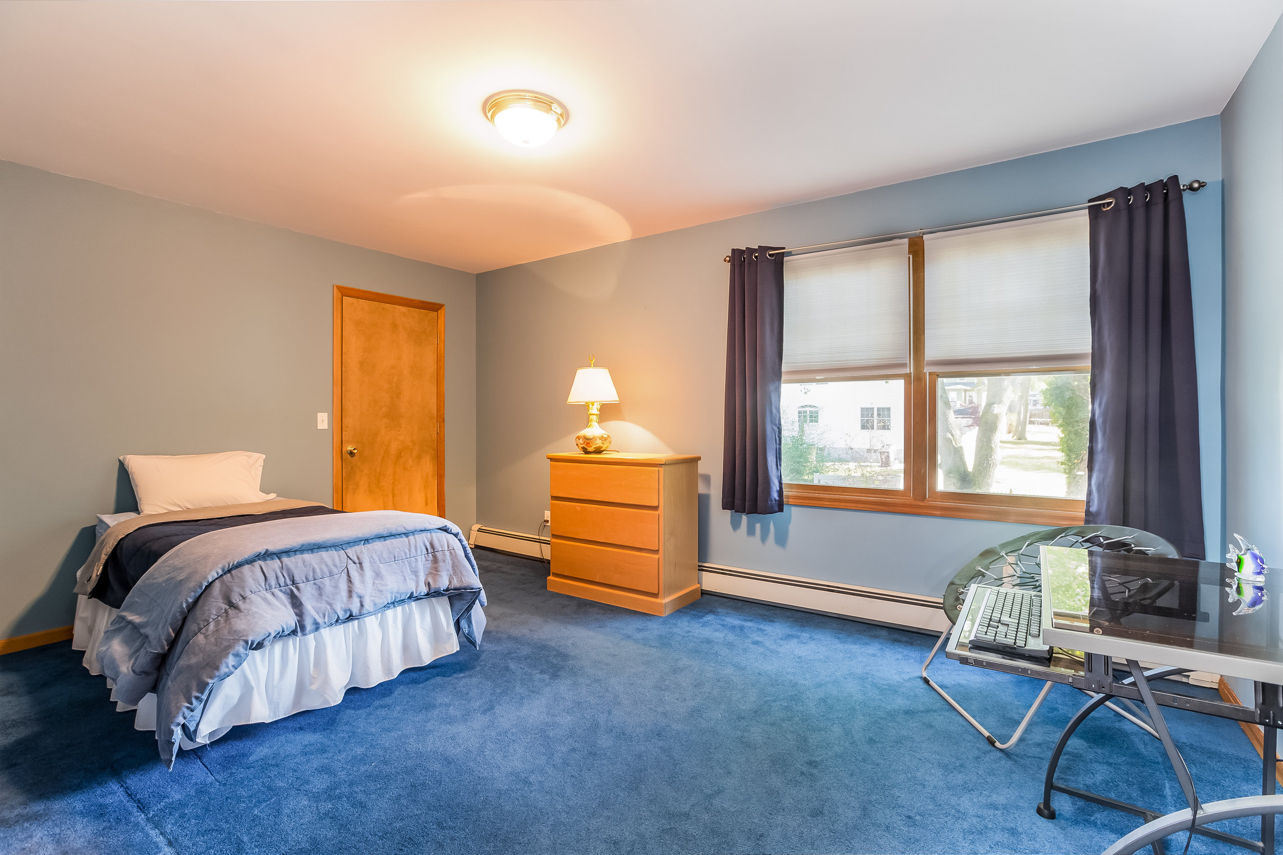 036-Bedroom-5002164-large.jpg
