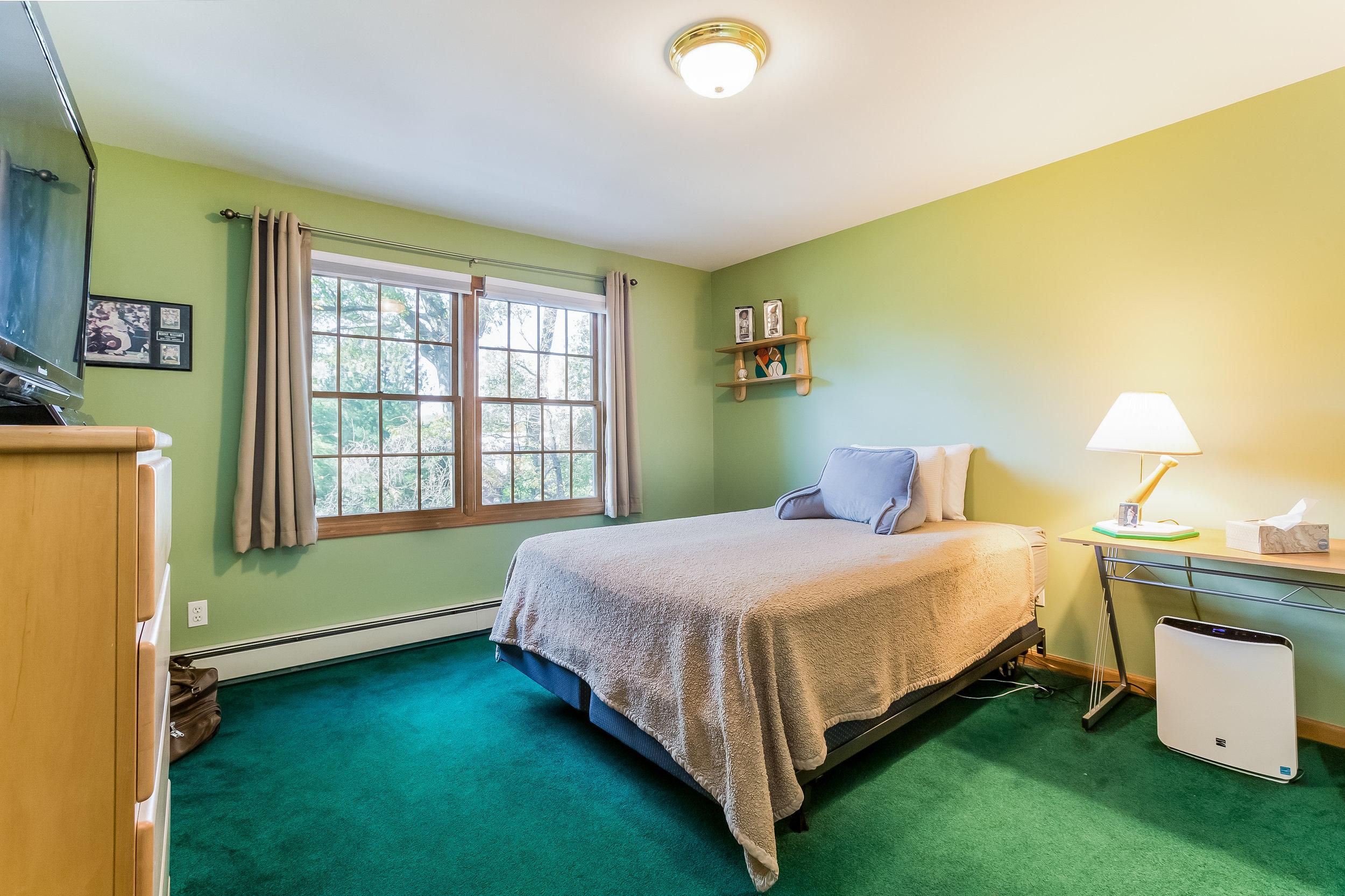 038-Bedroom-5002169-large.jpg