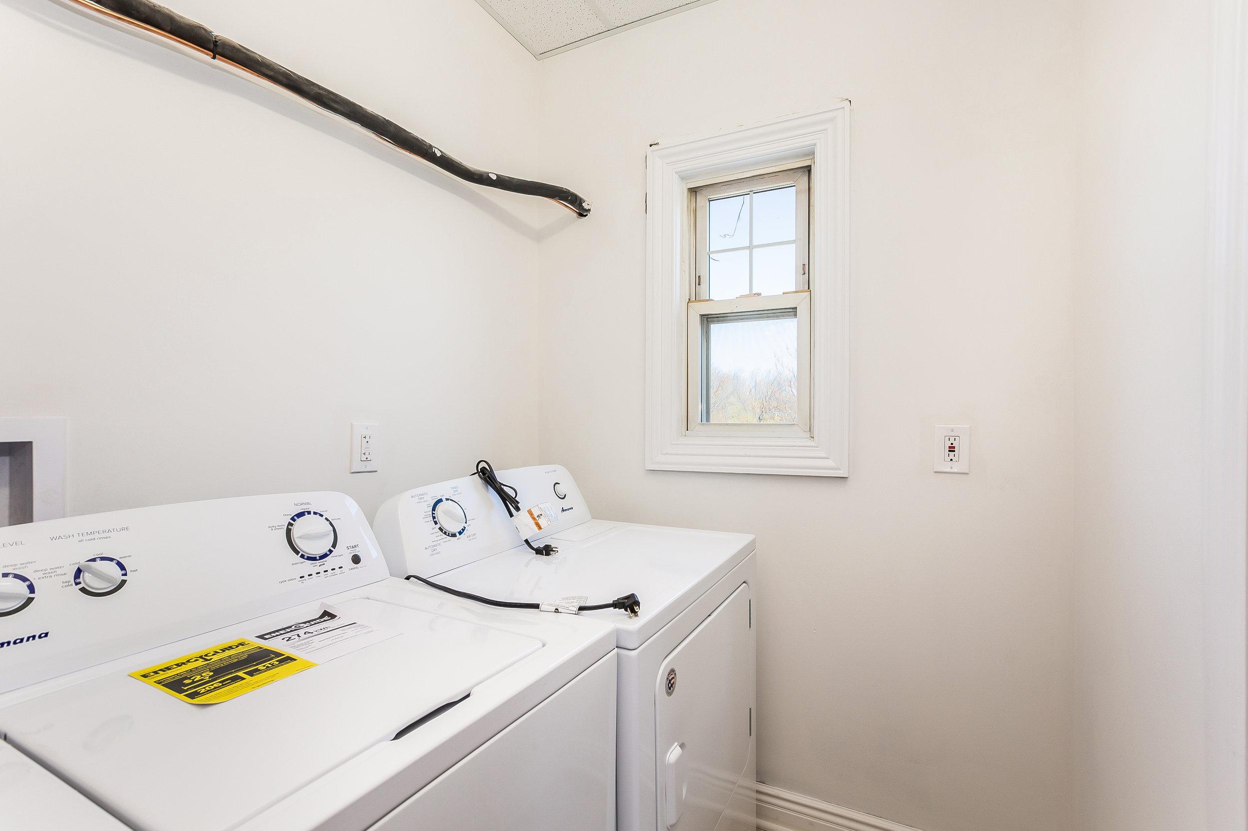 055-Laundry_Room-3992697-large.jpg