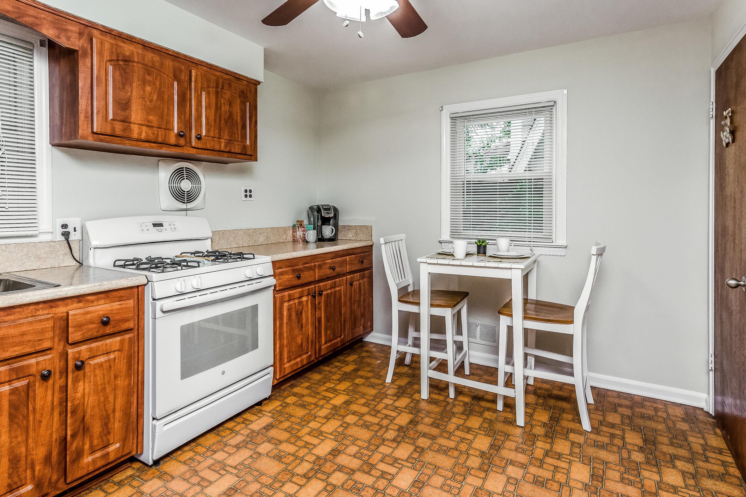 012-photo-kitchendining-room-5786531.jpg