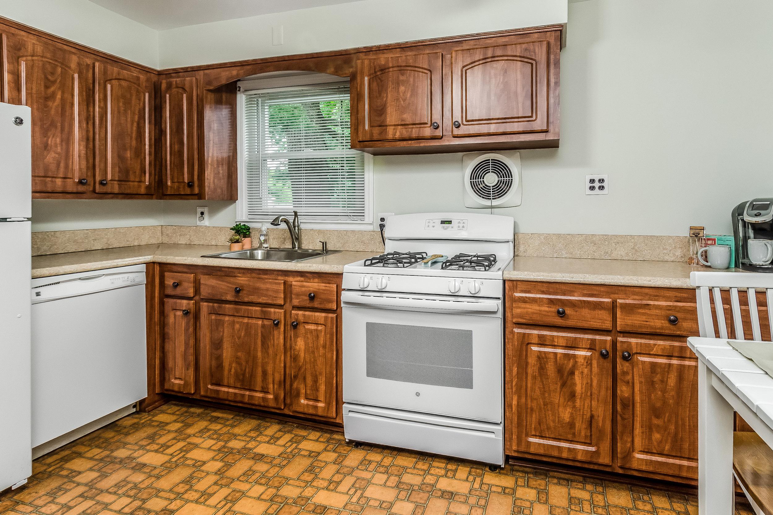 014-photo-kitchendining-room-5786534.jpg