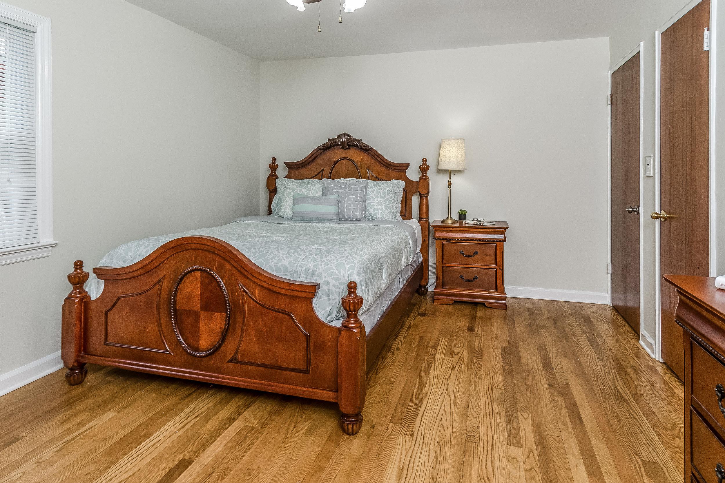 020-photo-master-bedroom-5786539.jpg