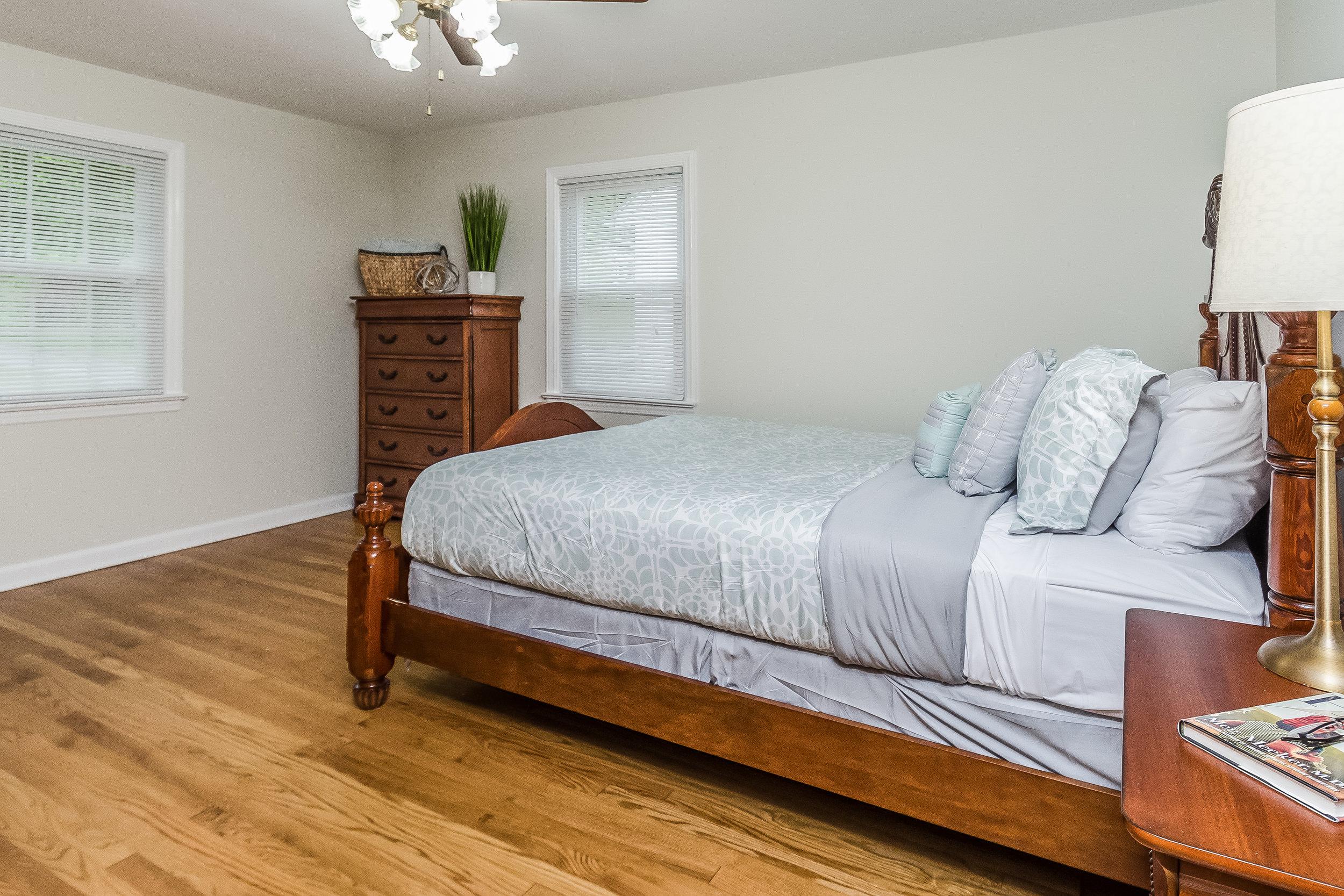 019-photo-master-bedroom-5786544.jpg