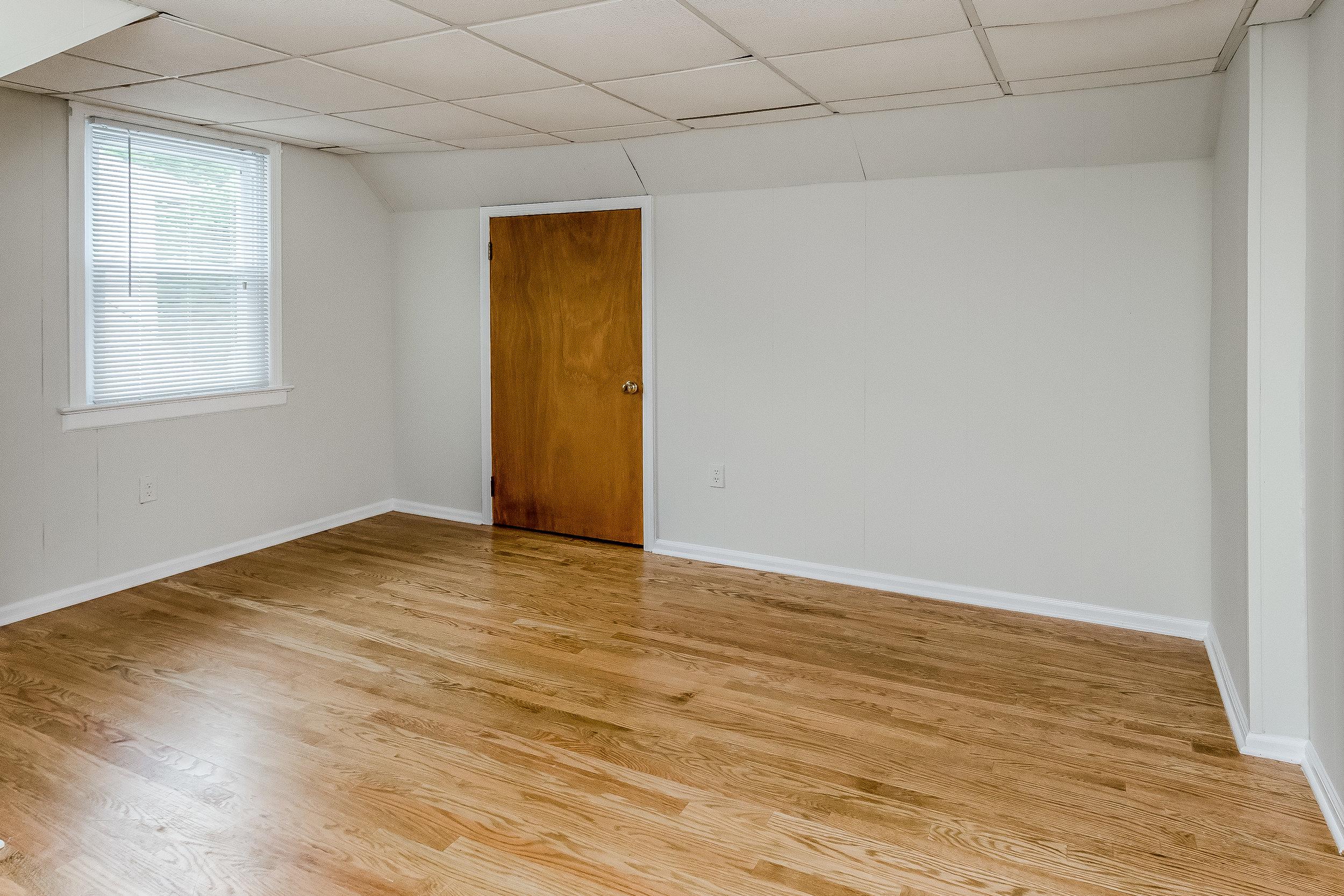 027-photo-bedroom-5786565.jpg