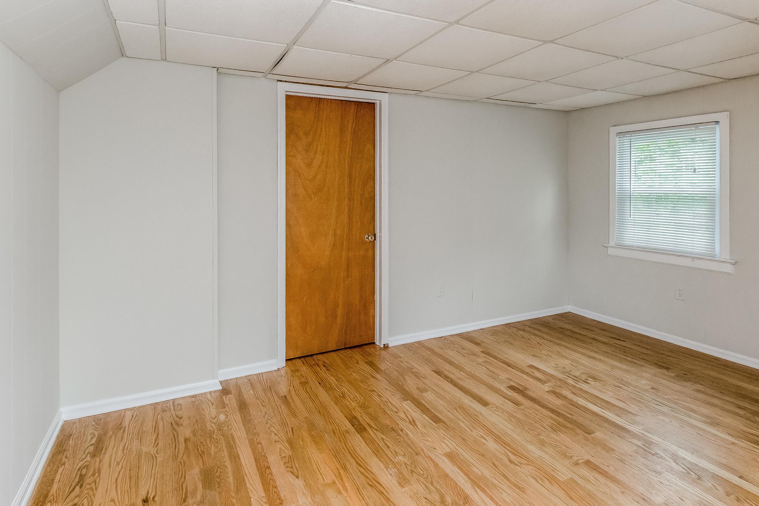 030-photo-master-bedroom-5786568.jpg
