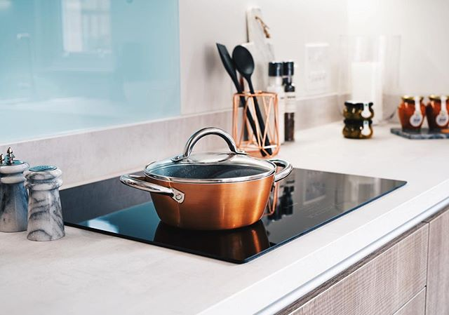 Another shot from last Monday, so much fun to shoot, this was just a little extra as I really liked the colours! #sony #sigma #50mm #cooker #kitchen #oven #vsco #vscocam