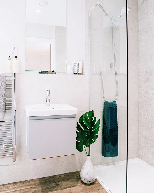 Another shot from my recent project,really enjoyed shooting it and looking forward to going back for pt2 #sony #a7rii #sigma #24mm #bathroom #shower #leaf #green #white #vsco #vscocam