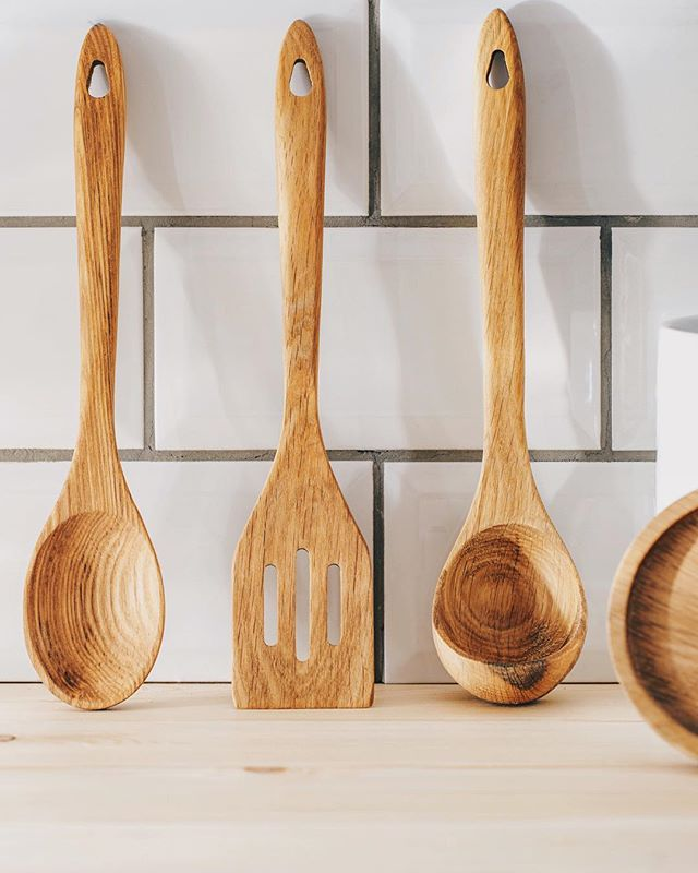 Found these really cool utensils yesterday and had a bit of time today so decided to do a quick shoot! #sony #a7rii #wood #spoon #minimal #oak #100mm #canon #mycanon #vsco #vscocam #untensils