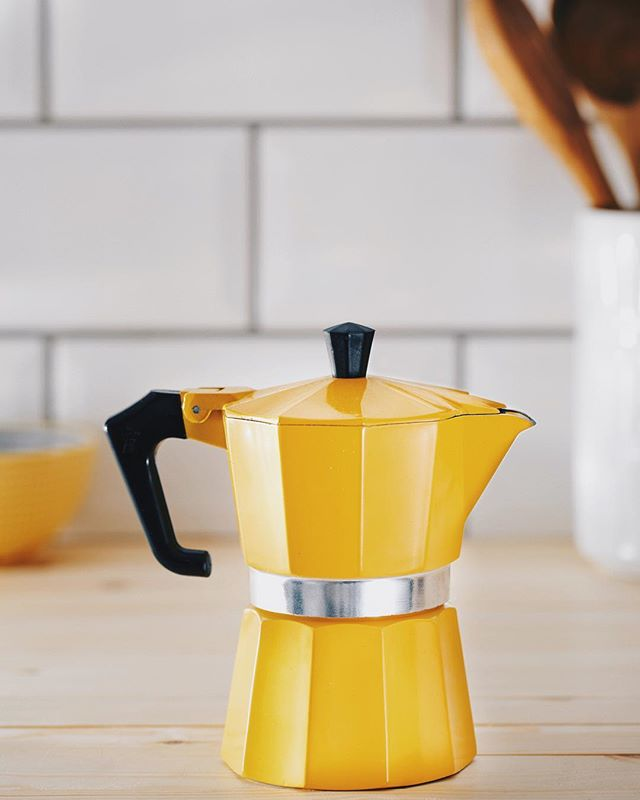 Another shot from last night, still have no idea how this coffee thing works. #sony #a7rii #yellow #coffee #kitchen #100mm #canon #mycanon #frenchpress