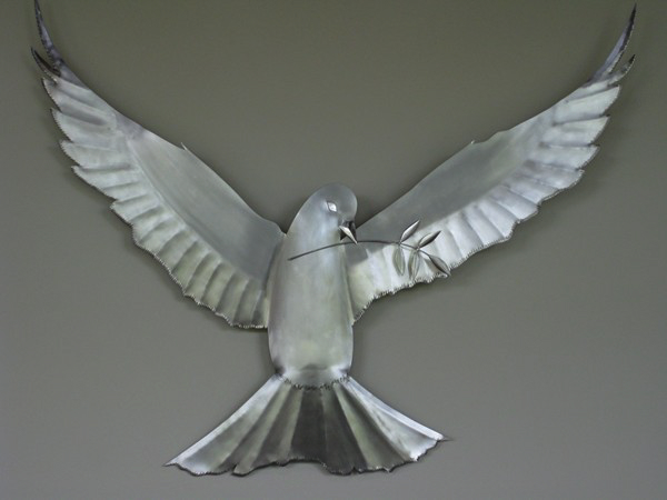 Here is a bird piece made of all stainless steel.T