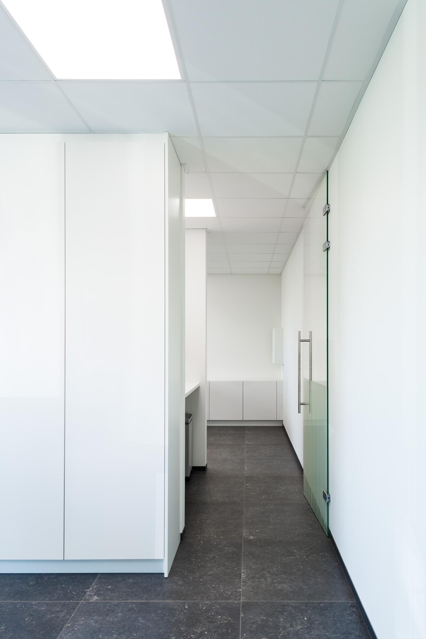 Showroom B by Vandamme-Vandeputte architecten