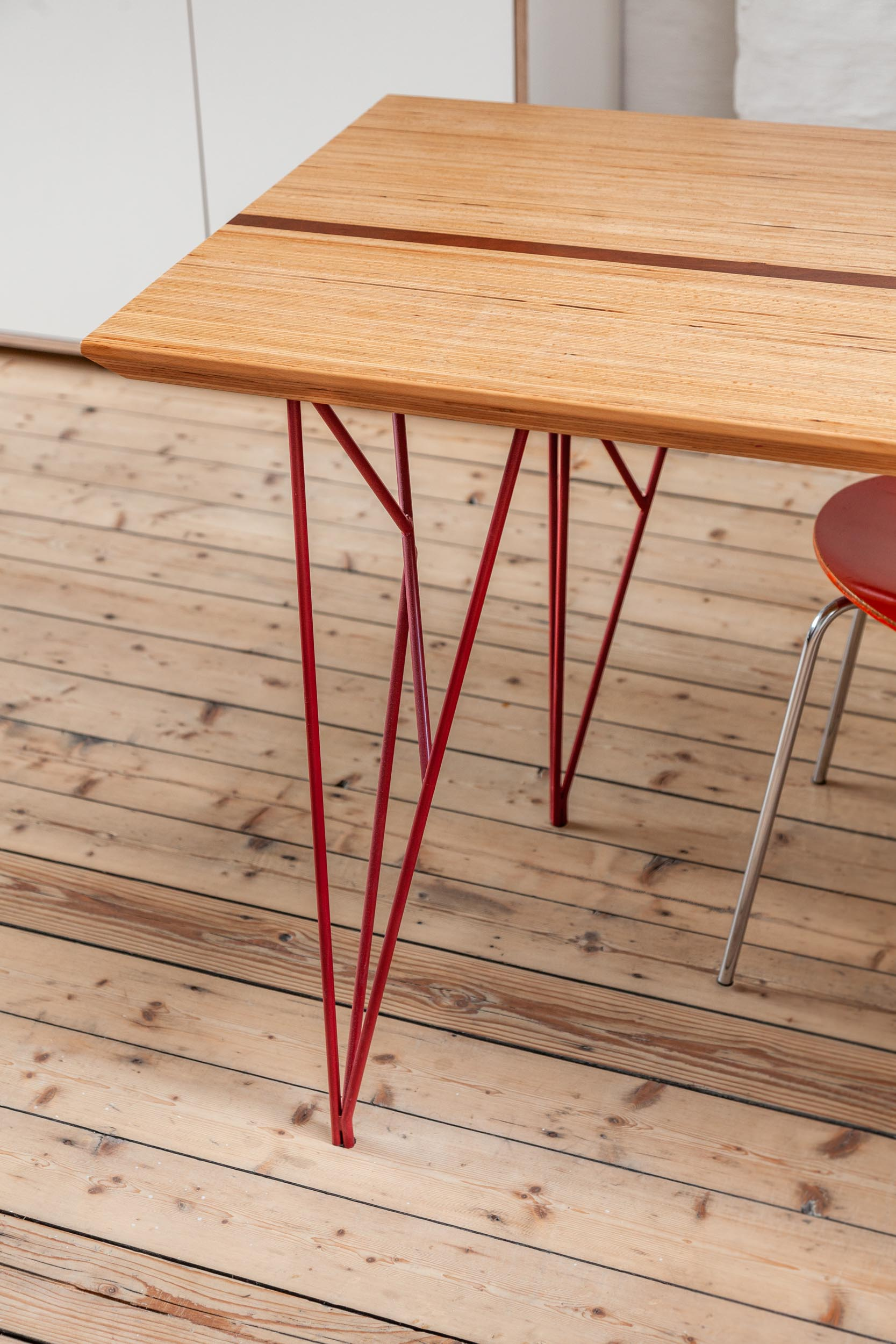 steel table legs and tabletop by bau'm and dinghes