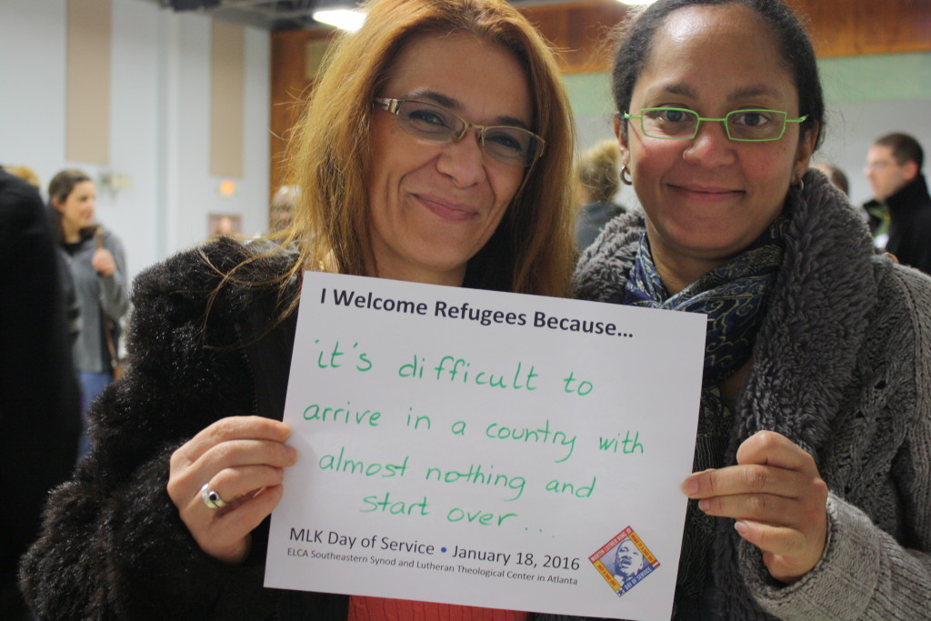 I welcome refugee sign