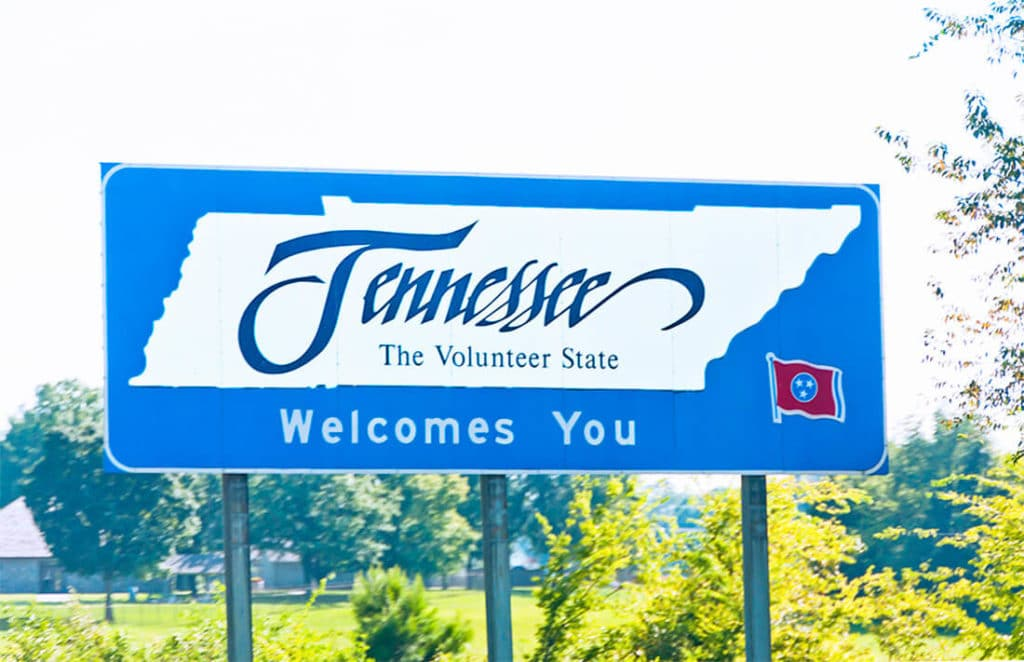 Tennessee_Welcome_Sign_I-65_Southbound_Photo-sixflashphoto.jpg