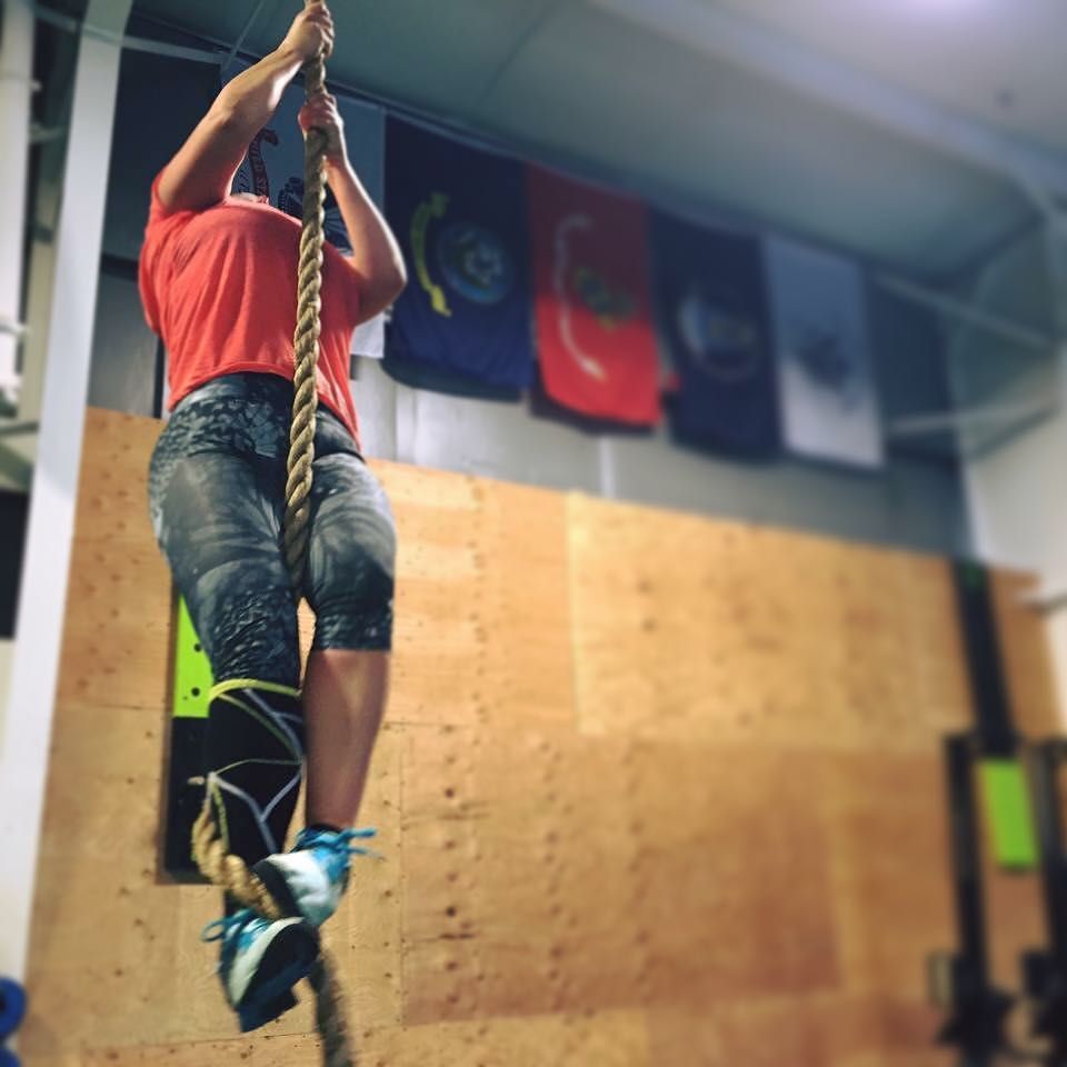 Jill knocking out rope climbs!
