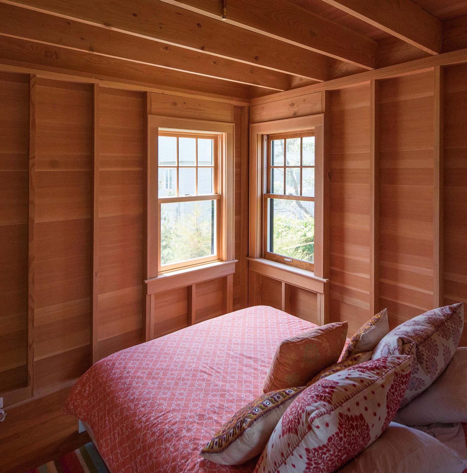 8 SILBER BEDROOM.jpg