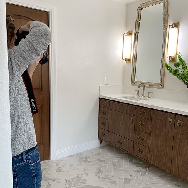 Spending the morning with @robynlorenzaphotography 📷 shooting this beautiful bathroom and other rooms! Can't wait to share. Stay tuned...