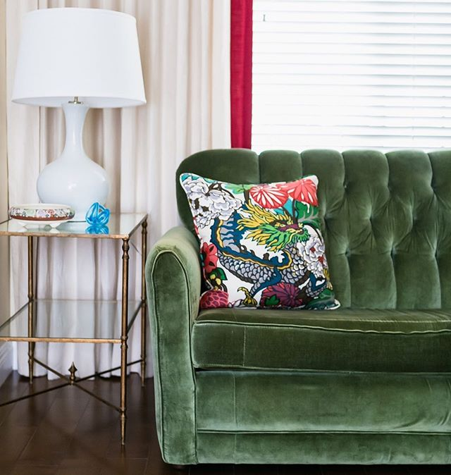 Vintage velvet emerald green sofa needed to be brought back to life. The beautiful Chiang Mai Dragon fabric from @schumacher1889 was the perfect addition to bring the room together.