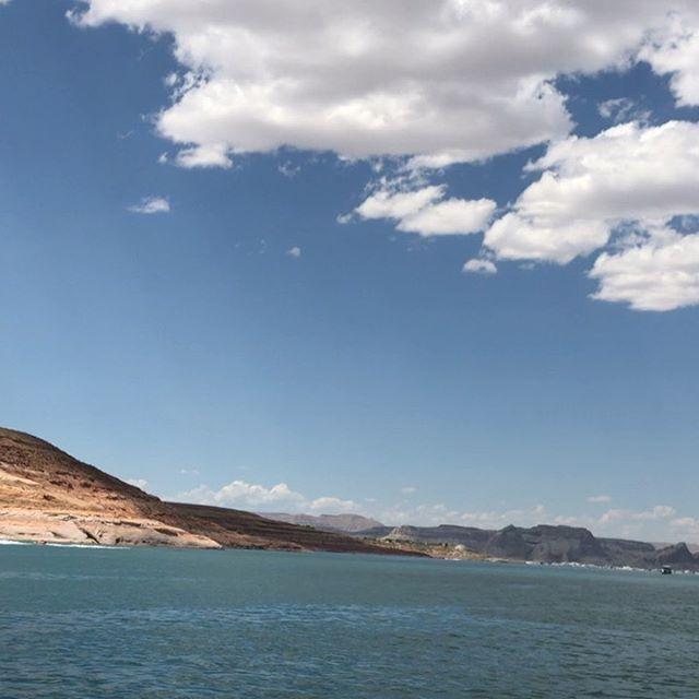 Lake Powell is absolutely stunning!!!! #ImAOperaytah #CaptainBruce #FishDNA