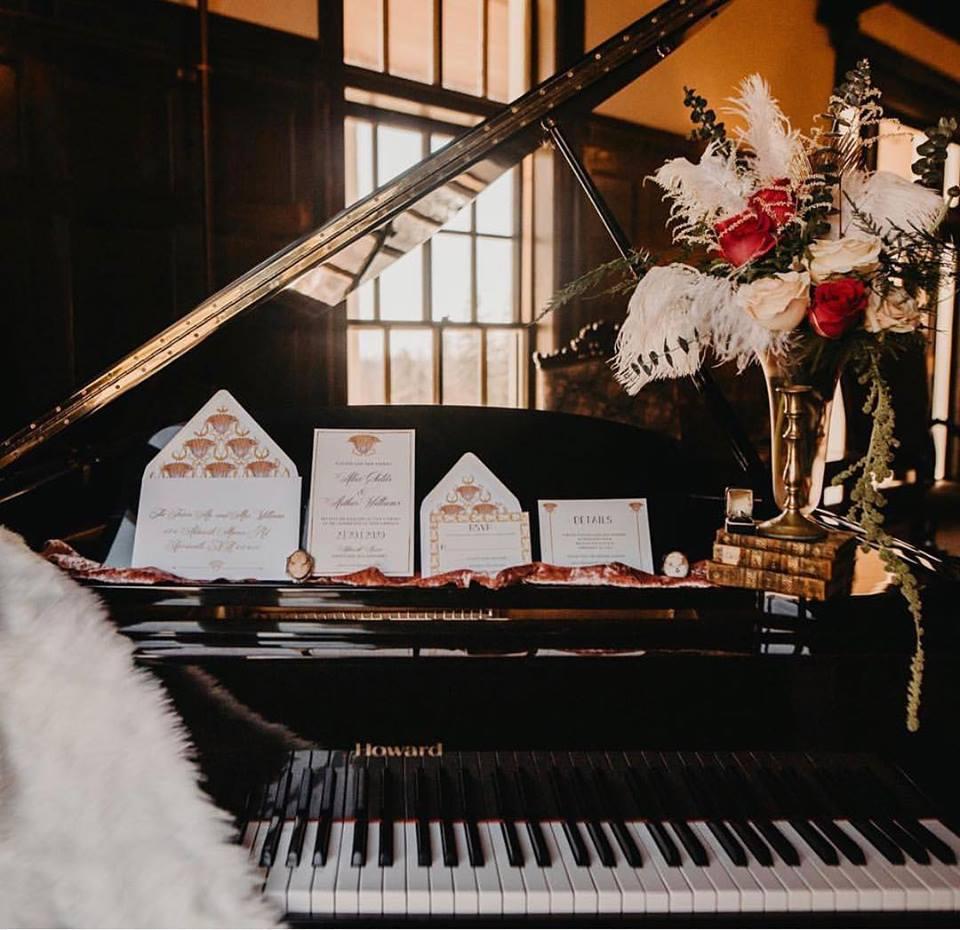 Piano 1920's.jpg