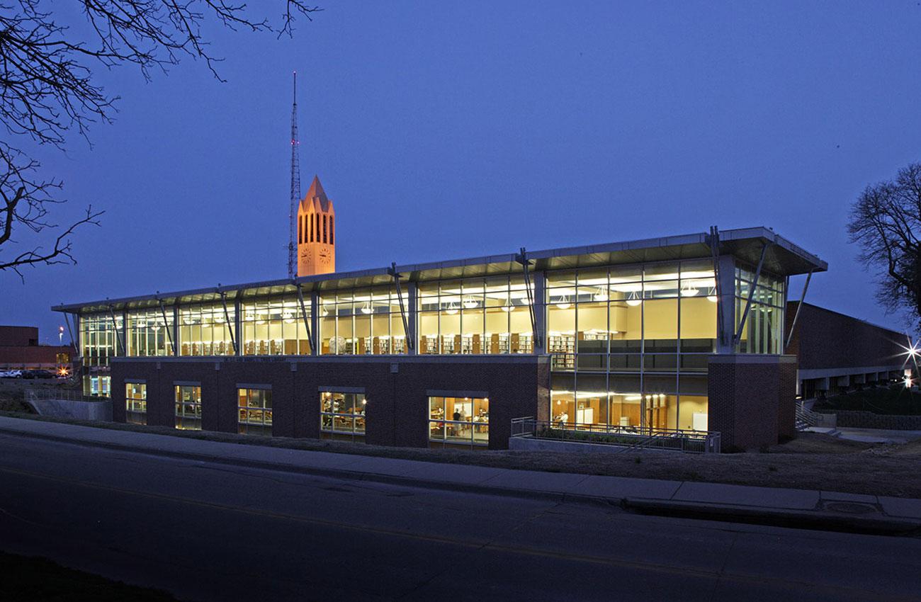University of Nebraska at Omaha, Criss Library    Omaha, NE    View Gallery »
