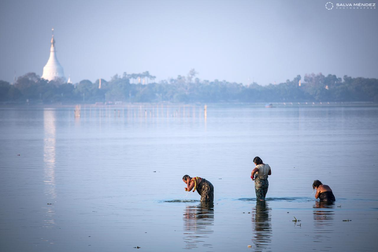 Bath time, Inle lake, Myanmar