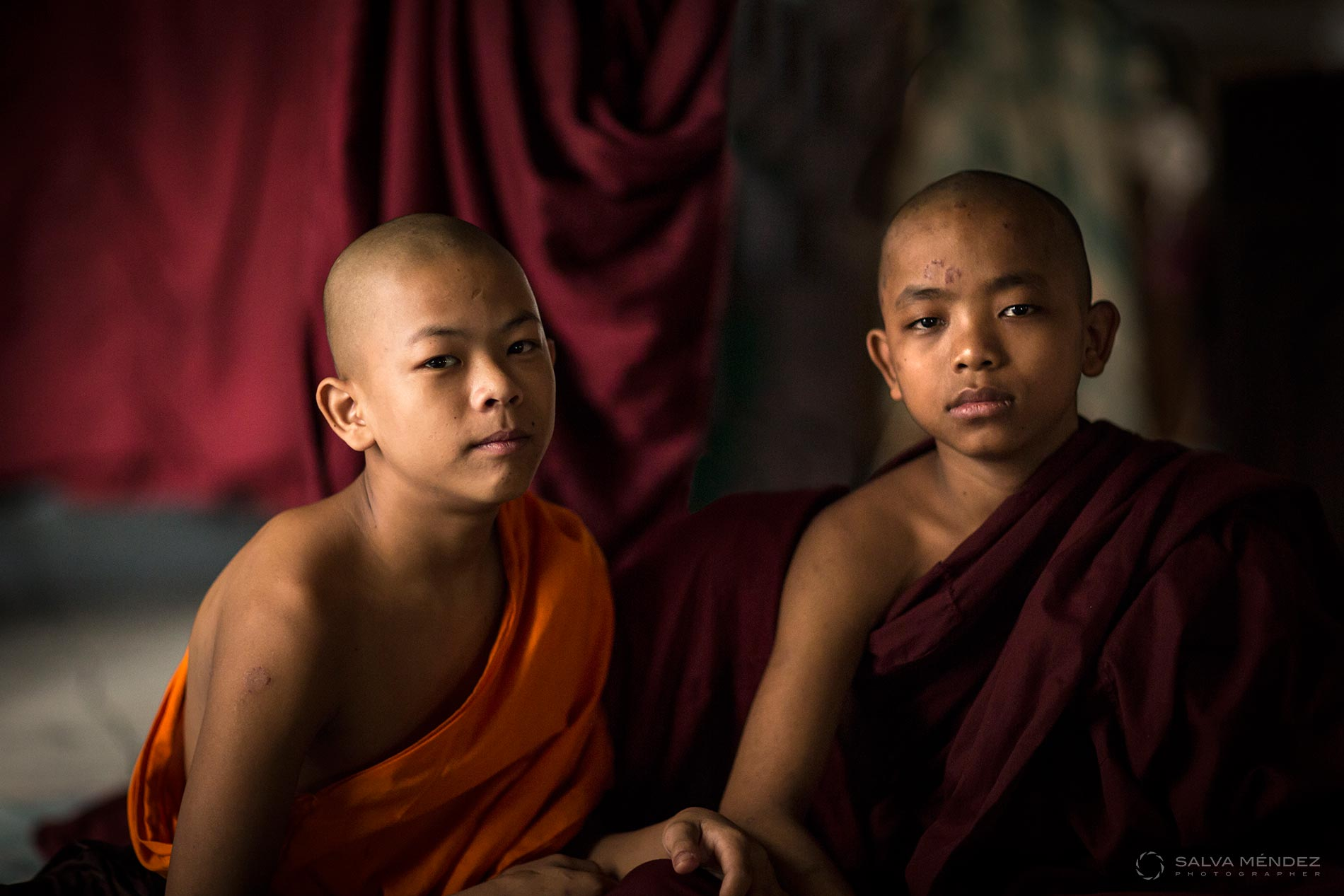 01_02_SALVA-MENDEZ_MONKS-YANGON_MYANMAR--WEB-1900px.jpg