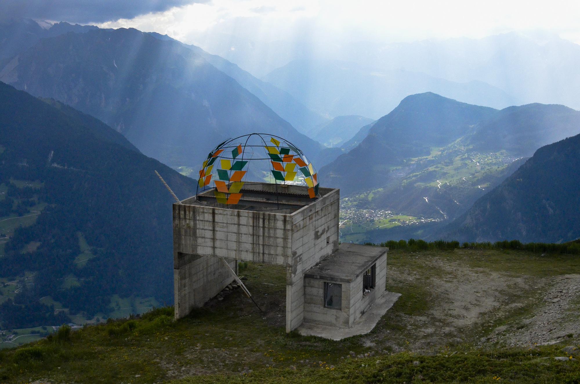 Public Work in Switzerland_Side View.jpg