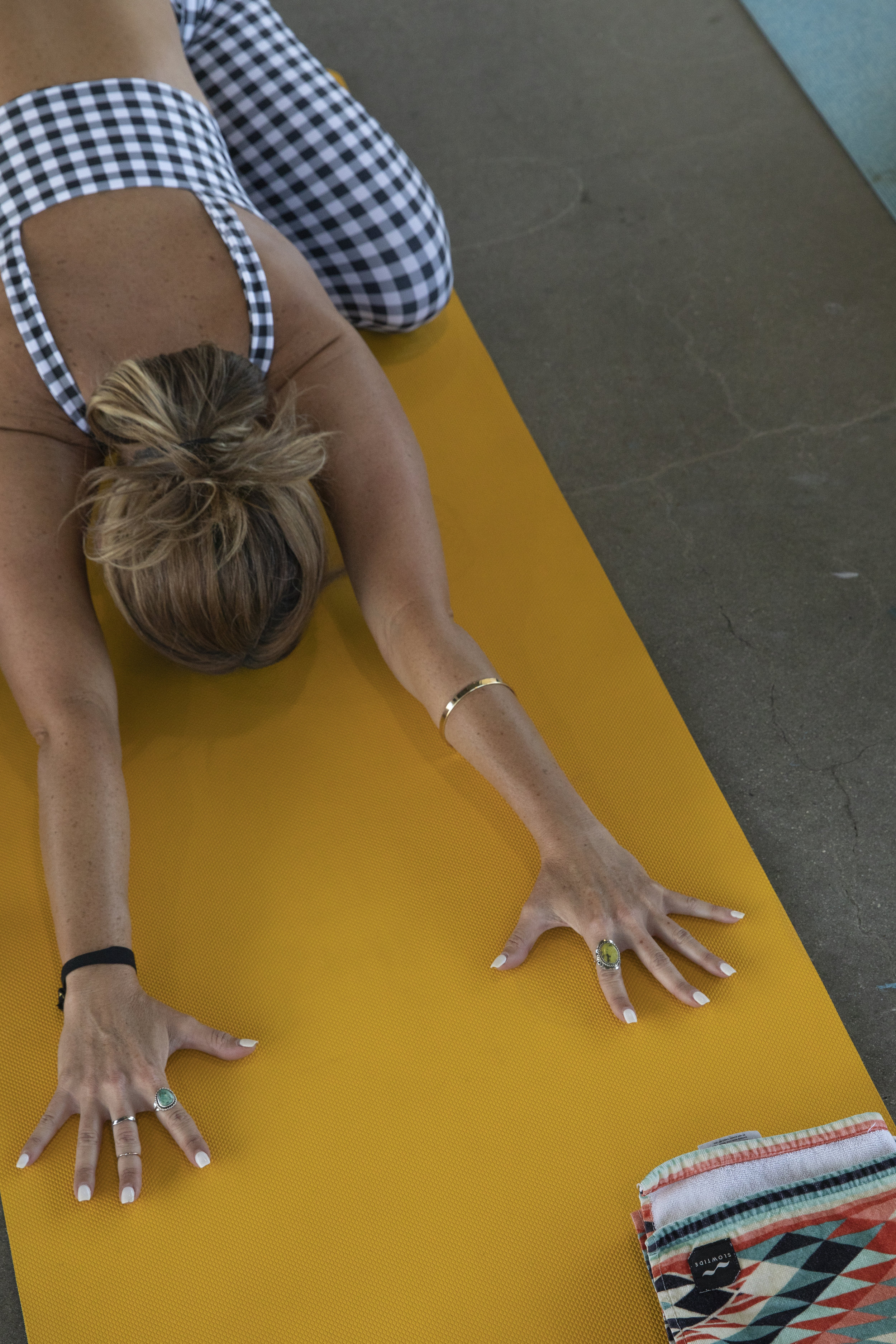 yoga_beachclean.jpg