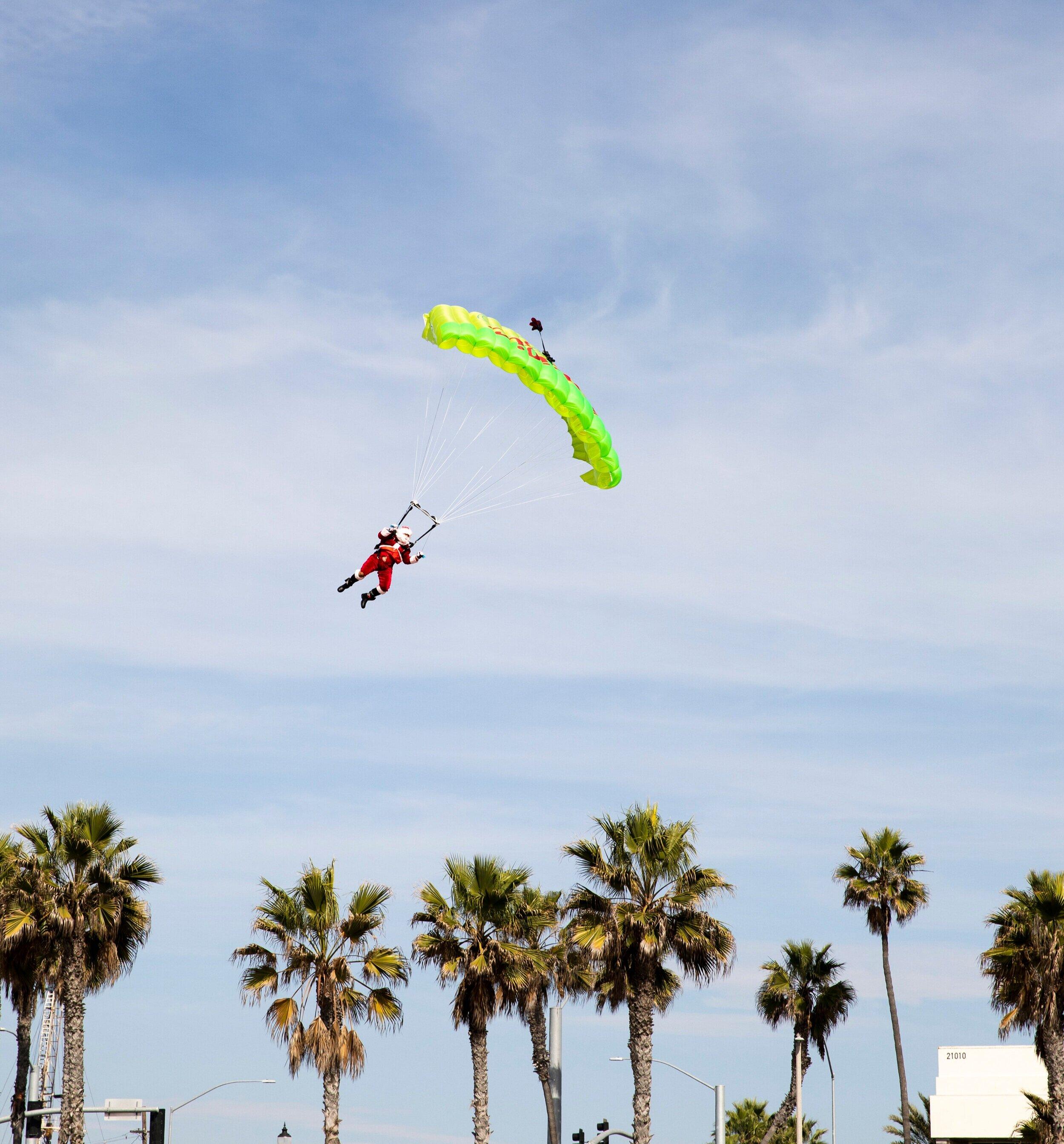 Santa Skydive_pacific city_huntington beach_holiday.jpg