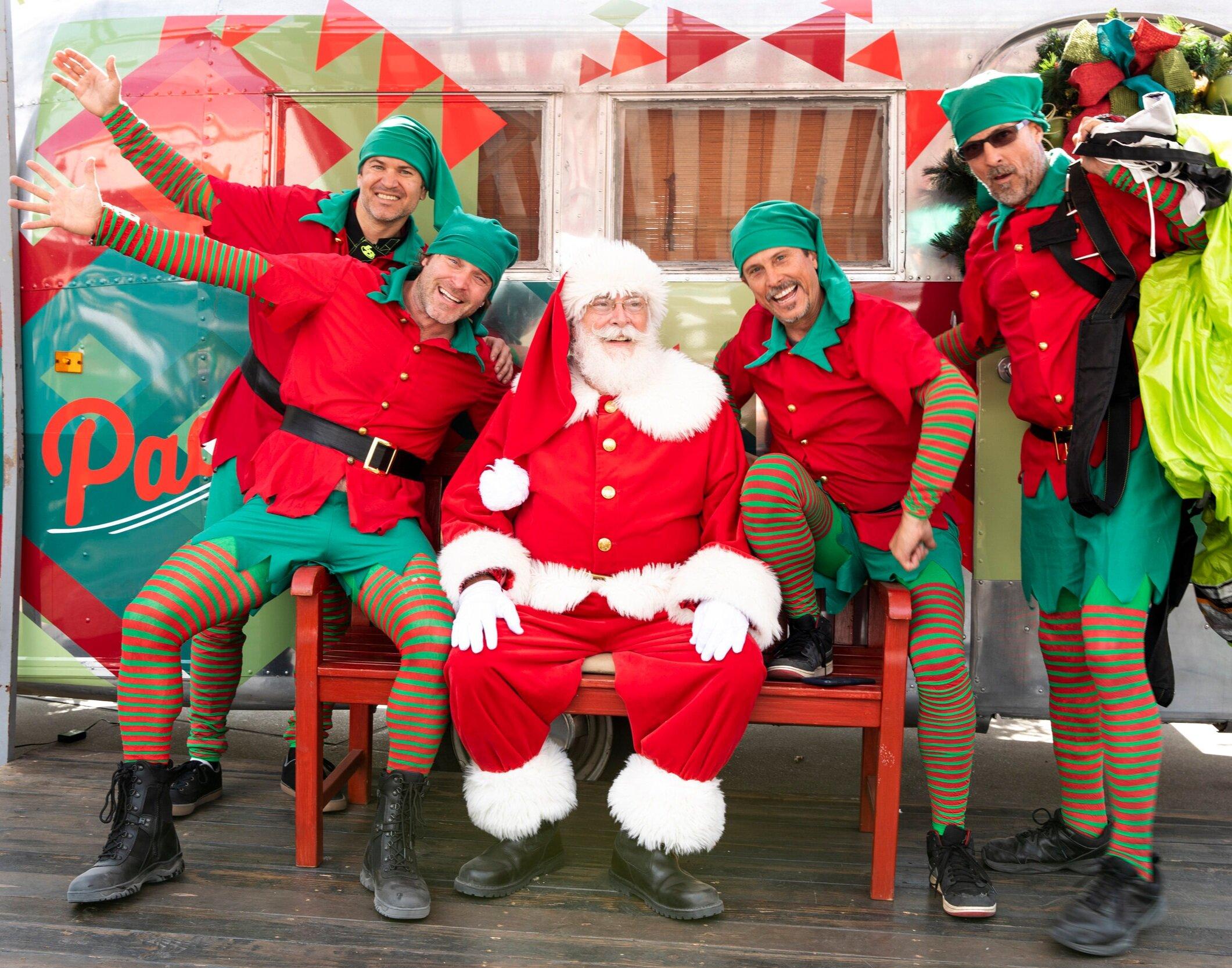 holiday_kids_family_santa_photos_pacific City.jpg
