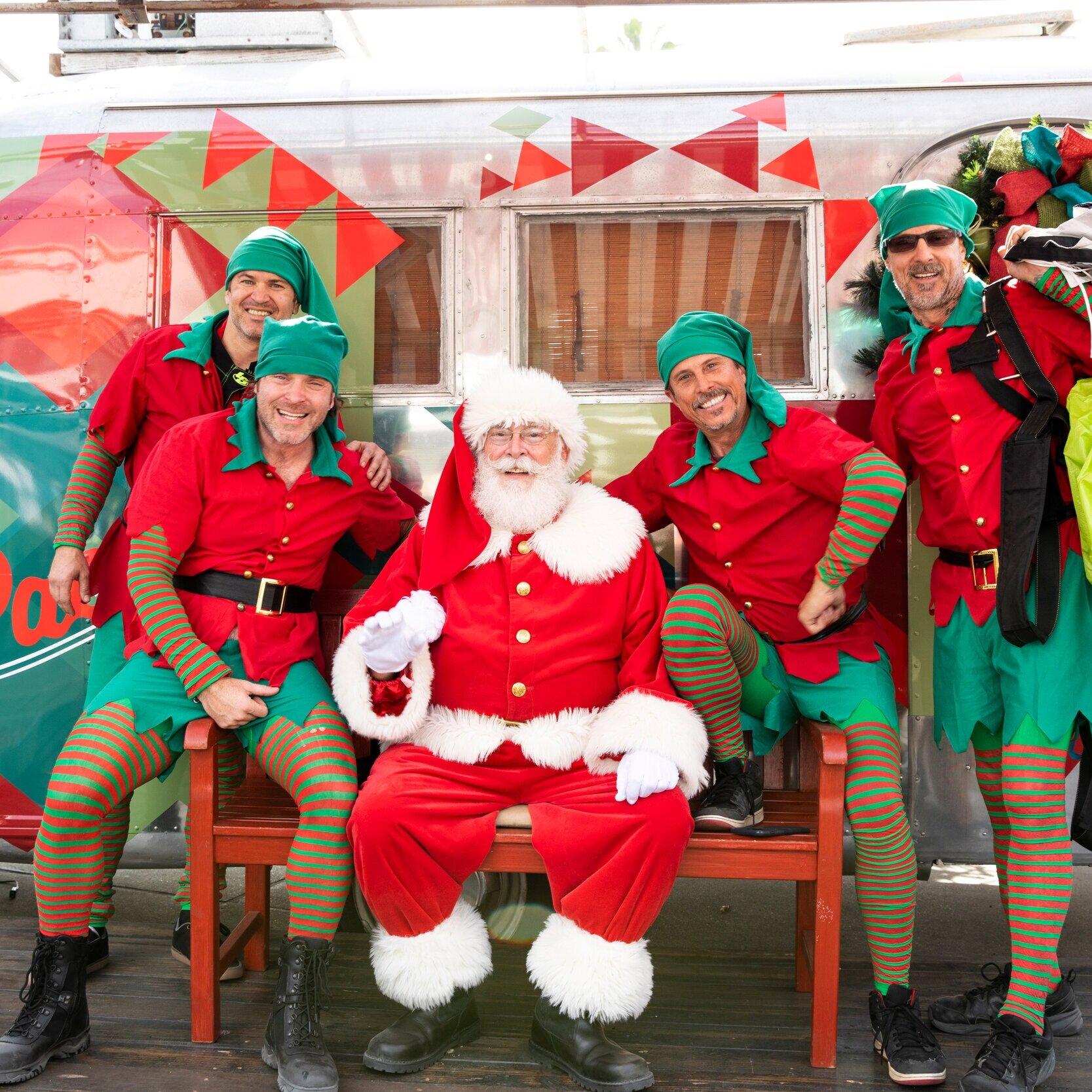 Santa_pacific city_holiday_photos_family.jpg