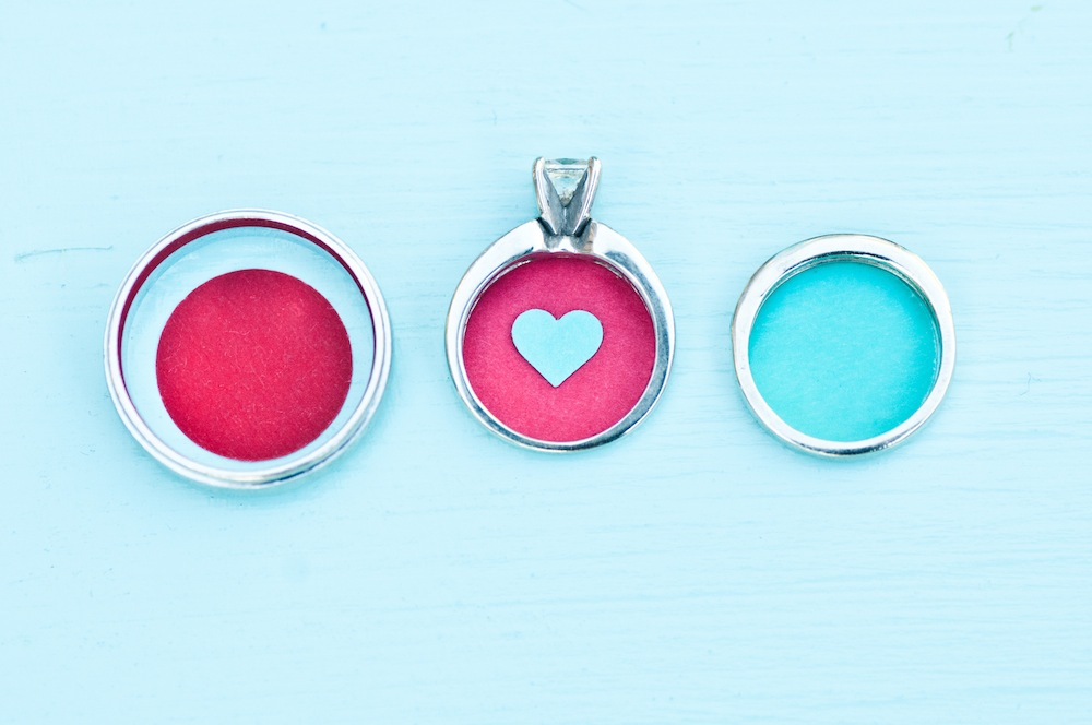 Valentines-Day-Dinner-Date-Inspiration-Aqua-and-Red-30.jpg