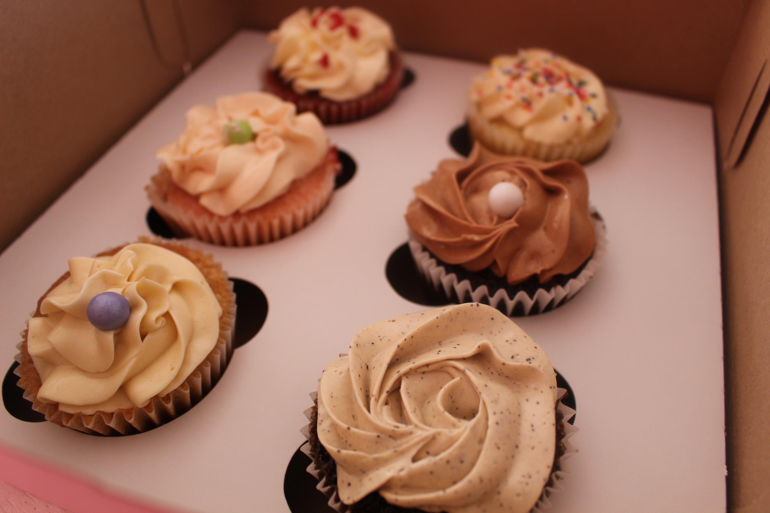 Lemon, Strawberry Red Velvet, Mocha, Chocolate, Vanilla order, The CuppyCake House