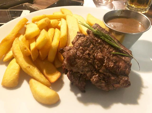 Steak frites! @bistro22gh ... throw back Thursday to an amazing meal🤗💦