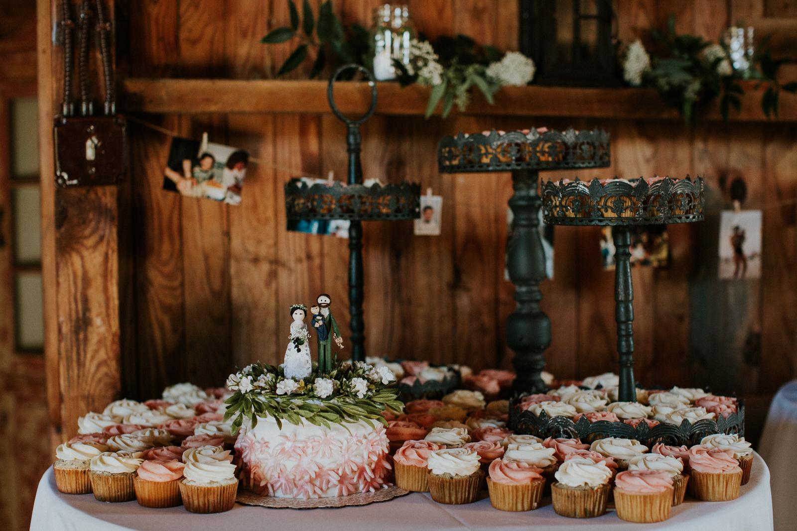Pennsylvania_Wedding_Photography_Friedman_Farms-69.jpg