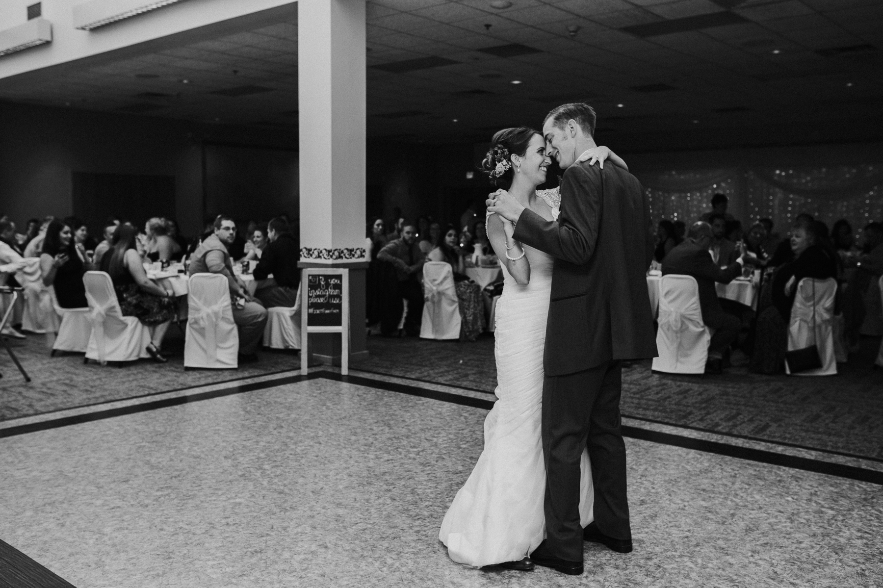 buffalo-new-york-hamburg-beach-wedding-photography 86.jpg