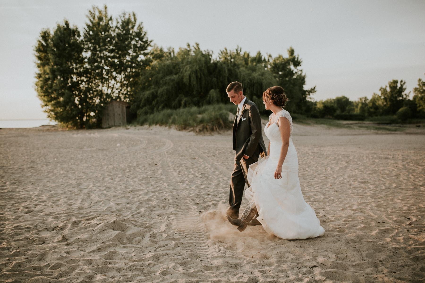 buffalo-new-york-hamburg-beach-wedding-photography 113.jpg