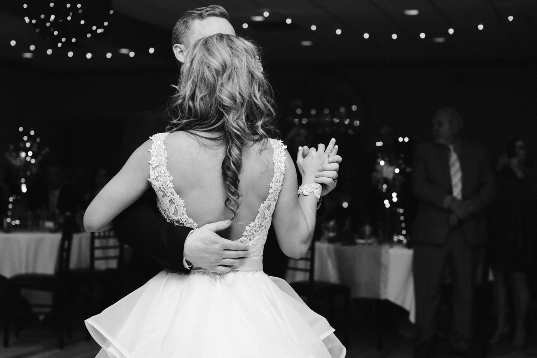 canandaigua-new-york-bristol-harbor-wedding-photographer 59.jpg