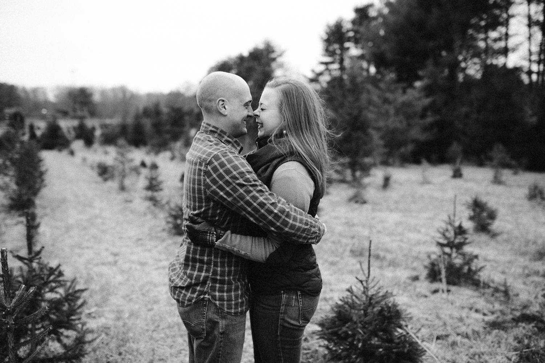 washington-dc-christmas-tree-farm-engagement-photographer 6.jpg