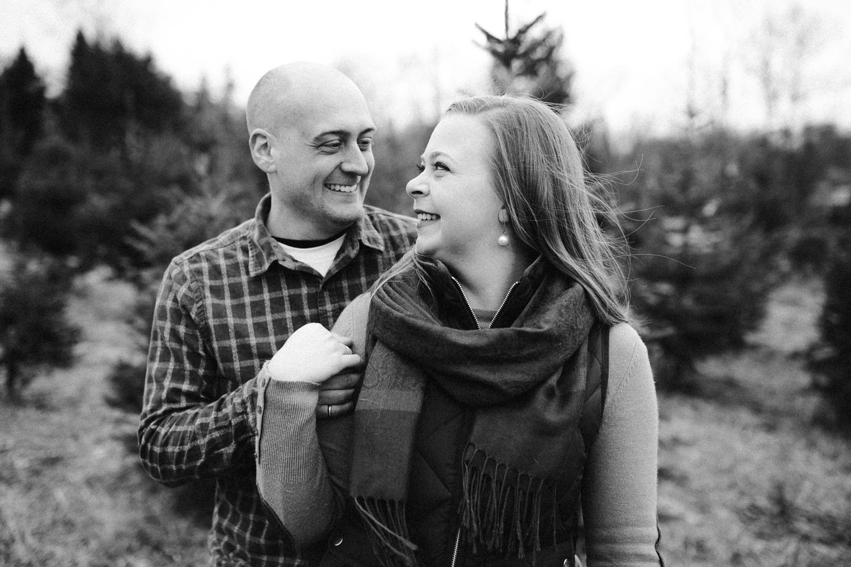 washington-dc-christmas-tree-farm-engagement-photographer 20.jpg