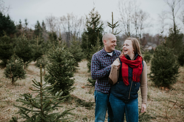 washington-dc-christmas-tree-farm-engagement-photographer 21.jpg
