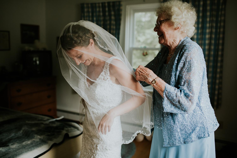 rhinelander-wisconsin-holiday-acres-lakeside-wedding-photographer 44.jpg