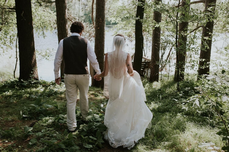 rhinelander-wisconsin-holiday-acres-lakeside-wedding-photographer 75.jpg