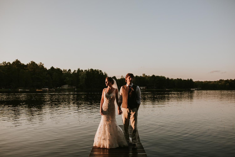 rhinelander-wisconsin-holiday-acres-lakeside-wedding-photographer 128.jpg