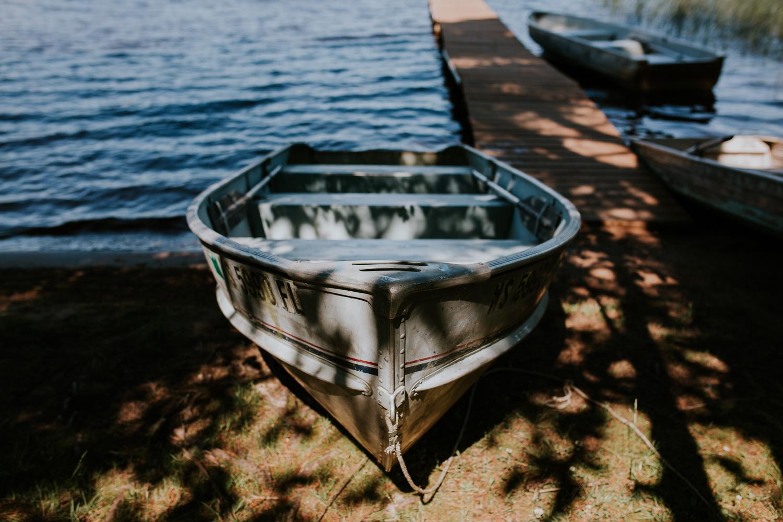 rhinelander-wisconsin-thompson-lake-side-wedding-holiday-acres-photographer-14.jpg