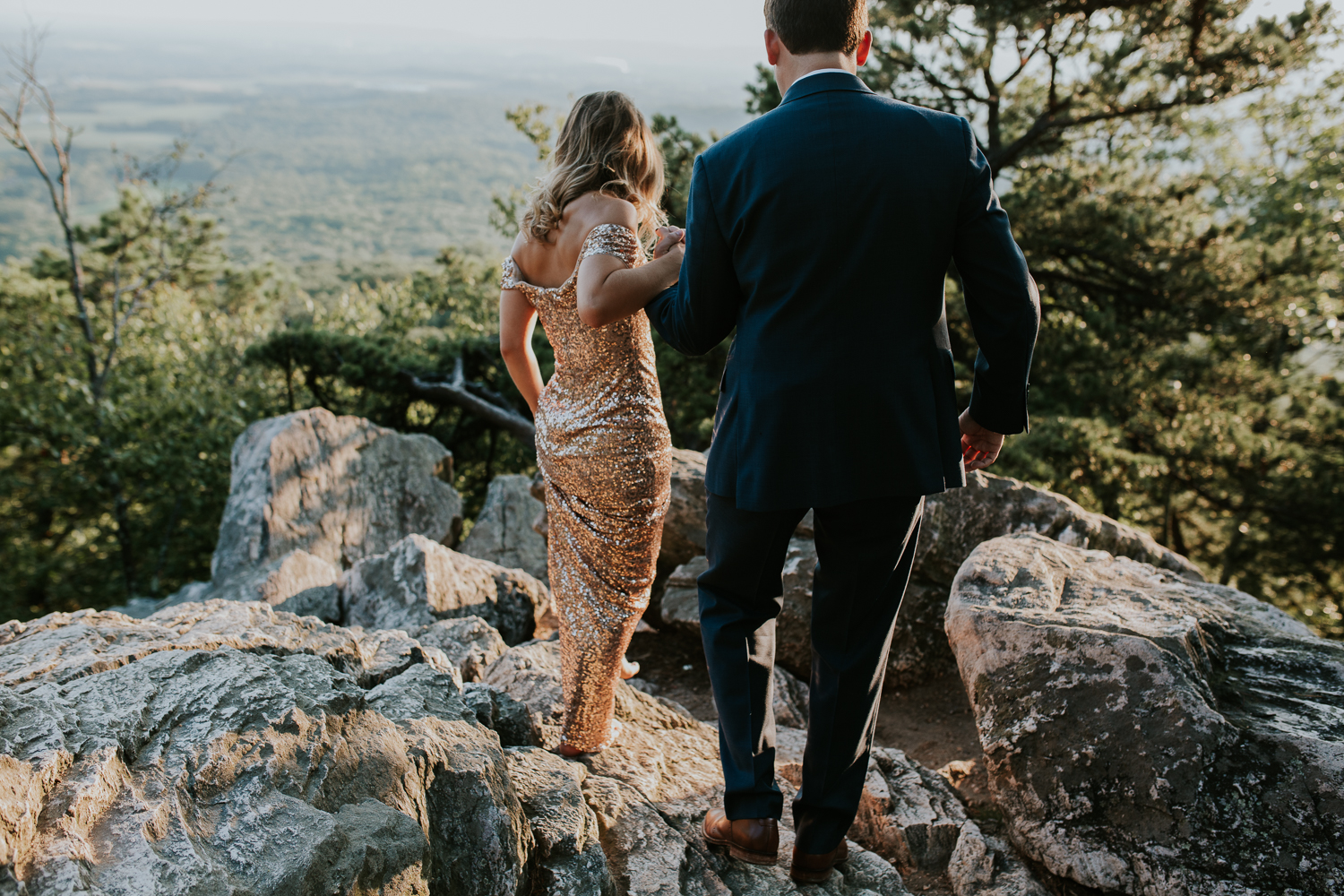 sugar_loaf_mountain_maryland_mountain_top_engagement_photographer-1.jpg