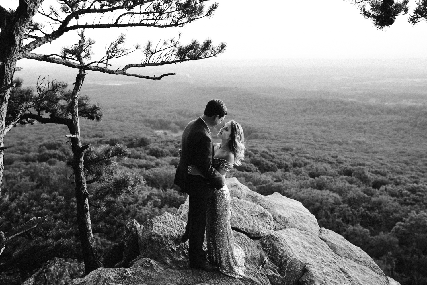 sugar_loaf_mountain_maryland_mountain_top_engagement_photographer-17.jpg