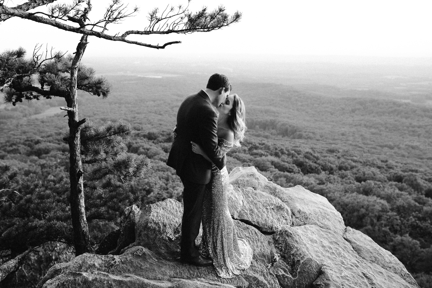 sugar_loaf_mountain_maryland_mountain_top_engagement_photographer-18.jpg