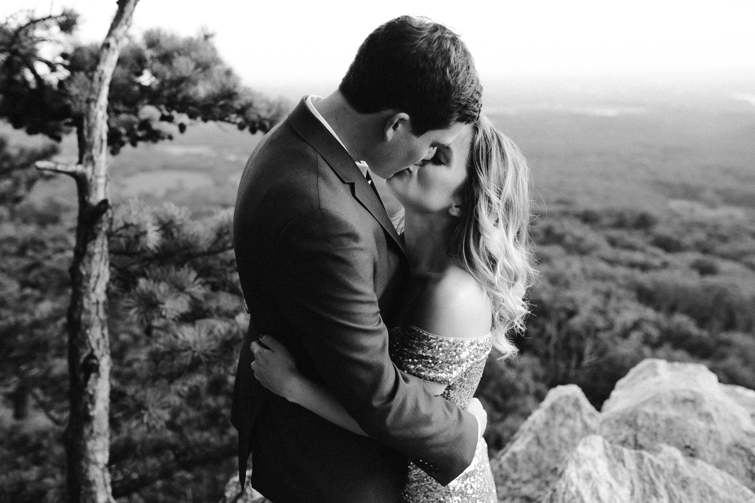 sugar_loaf_mountain_maryland_mountain_top_engagement_photographer-25.jpg